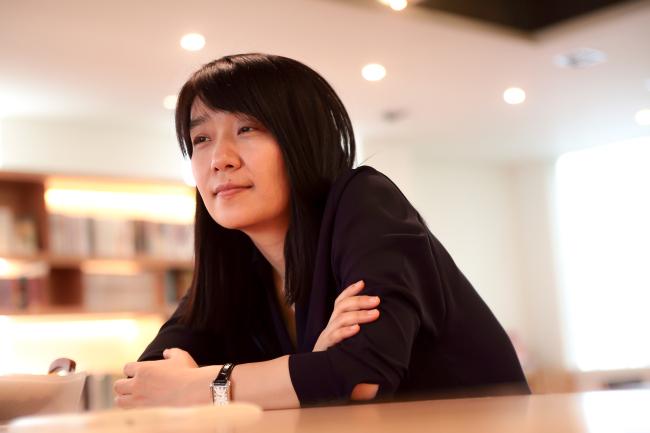 [뉴스] 한강, 맨부커 수상뒤엔…英번역가 '집요한 한국어 독학'