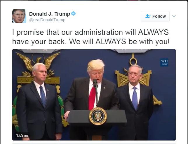 반(反) 이민 행정명령에 서명하는 트럼프