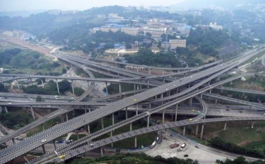 中国の高速道路のインターチェンジ
