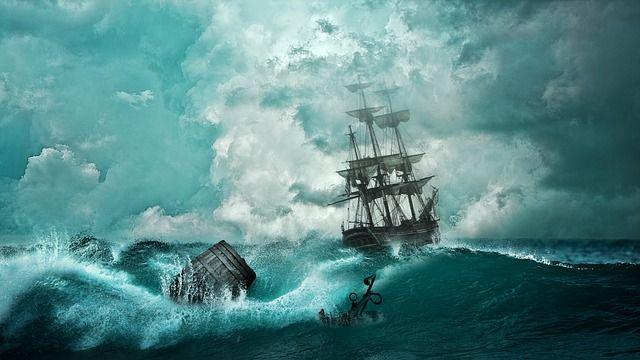 嵐を乗り越える行く船